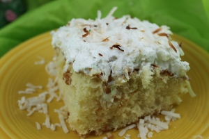 CoolandCreamyCoconutCake (2)
