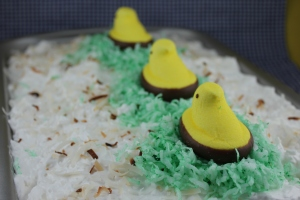 CoolandCreamyCoconutCakeEaster (3)