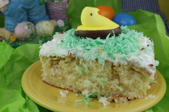 CoolandCreamyCoconutCakeEaster (4)